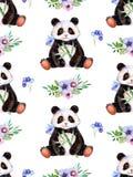 Textura inconsútil con los elementos pintados a mano de la acuarela, los triángulos multicolores y la panda linda libre illustration