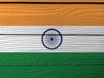 Textura india de la bandera del Grunge, tricolora del azafrán de la India, del blanco anaranjado y del verde con la rueda de Asho stock de ilustración