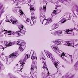 Textura magenta caleidoscópica, primer macro vertical de cristal esférico Fotos de archivo libres de regalías