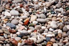 Textura mojada de los guijarros. Fondo de piedra. fotografía de archivo