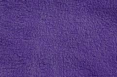 Textura púrpura de la toalla del algodón Fotos de archivo libres de regalías