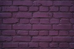 textura púrpura exótica del fondo de la pared de ladrillo fotos de archivo