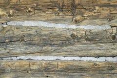 Textura rústica de la pared de la cabaña de madera Imágenes de archivo libres de regalías