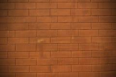 Textura resistida do marrom escuro velho manchado e da parede de tijolo vermelho b Imagens de Stock