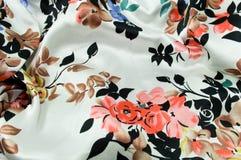 Textura roja de seda de las flores Fotos de archivo