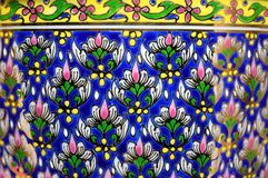 Textura tailandesa da porcelana do benjarong imagem de stock royalty free