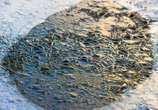 A textura, testes padrões na lagoa congela na Noite de Natal Foto de Stock Royalty Free