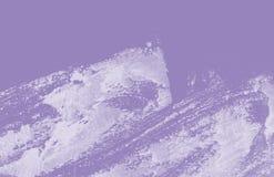 Textura ultravioleta y blanca del fondo de la pintura de la mano con los movimientos del cepillo del grunge foto de archivo libre de regalías