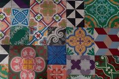 Textura velha retro portuguesa ou espanhola do teste padrão da telha de Azulejo das telhas do mosaico do vintage das telhas fotos de stock royalty free