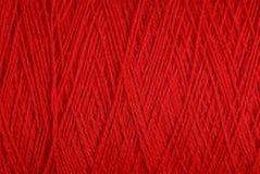Textura vermelha de uma lã da linha de lã grossa Foto de Stock Royalty Free