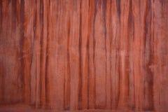 Textura vermelho marrom da parede com gotejamentos imagens de stock royalty free