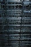 Textura vertical de la jaula del metal fotografía de archivo