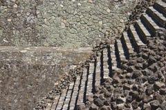 Textura y escaleras de la albañilería Imagenes de archivo