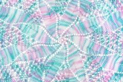 Texturas coloridas feitas crochê com a linha, feito a mão Imagens de Stock