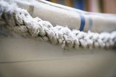 Texturas da corda no porto imagem de stock