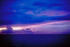 Texturas y colores de una puesta del sol del invierno Foto de archivo libre de regalías