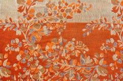 Texturbakgrund för naturligt tyg av den siden- halsduken fotografering för bildbyråer