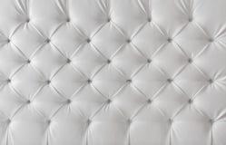 Texture blanche de tapisserie d'ameublement en cuir, fond de modèle Photographie stock