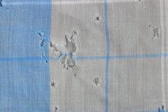 Texture d'un vieux, perméable mouchoir fané lavé du ` s d'homme images libres de droits