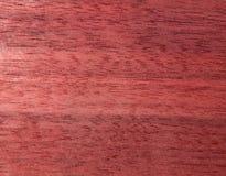 Texture d'une surface en bois d'acajou Placage en bois pour des meubles Images libres de droits