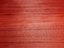 Texture d'une surface en bois d'acajou Placage en bois pour des meubles Photographie stock libre de droits
