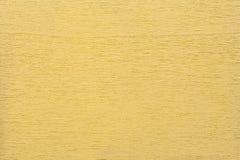 Texture de fond boisé propre jaune-clair, plan rapproché Structure du bois peint, contexte de contreplaqué Images stock