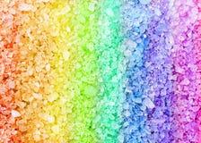 Texture de fond de cristaux de sel de bain de station thermale d'arc-en-ciel Photos stock