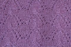 Texture de fond du tissu tricoté par modèle violet fait en cott photo stock