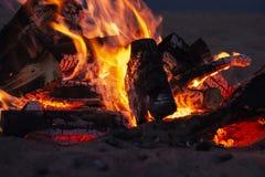 Texture de haute résolution de fumée de collection de flammes du feu en bois texte debout de reste d'image de figurine de concept photographie stock libre de droits