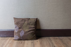 Texture de mur avec l'oreiller Image stock