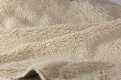 Texture de plan rapproché mou de tissu de fourrure artificielle photographie stock