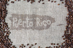 Texture de toile de jute avec la frontière de grains de café Images stock