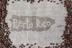 Texture de toile de jute avec la frontière de grains de café Image stock