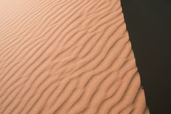 Texture des dunes de désert du Sahara photographie stock libre de droits