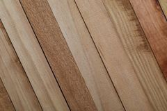 Texture des lamelles en bois naturelles non vernies De cuivre, rougeâtre, cerise images libres de droits