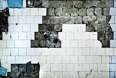 Texture du vieux mur de tuile avec des fissures Images stock