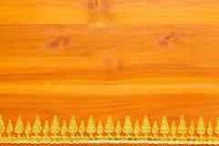 Texture en bois avec la feuille d'or images stock