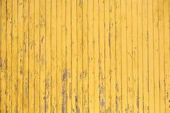 Texture en bois rustique jaune de planche de modèle planked de mur images stock