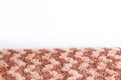 Texture en pastel brune d'abrégé sur tissu de fleur de Rose de tissu pour le dessus de table avec le fond blanc de mur image stock