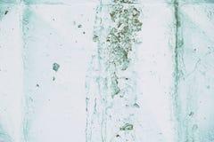 Texture grunge du mur en béton blanc avec la peinture minable d'épluchage Image stock