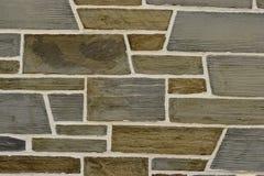 Texture irrégulière de plan rapproché de mur de briques de schiste Photos libres de droits