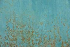 Texture métallique bleue d'un morceau de fer rouillé images libres de droits