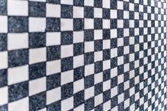 Texture noire et blanche de mur de domino images stock