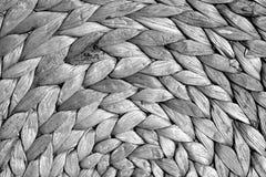 Texture ronde de tapis de paille en noir et blanc Images libres de droits