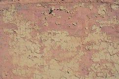 Texture rose usée de fond de mur de peinture d'épluchage Image libre de droits