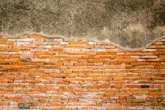 Texture rouge de mur de briques de cru Image libre de droits