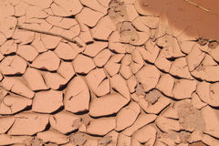 Texture rouge de sol sec de désert Image stock
