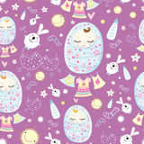 Texture sleeping babies. Seamless pattern of sleeping babies and toys on a lilac background Royalty Free Stock Images