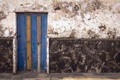 Texture sur le mur et la porte Photo libre de droits