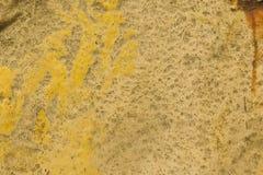 Texture - surface peinte par jaune superficielle par les agents Images libres de droits